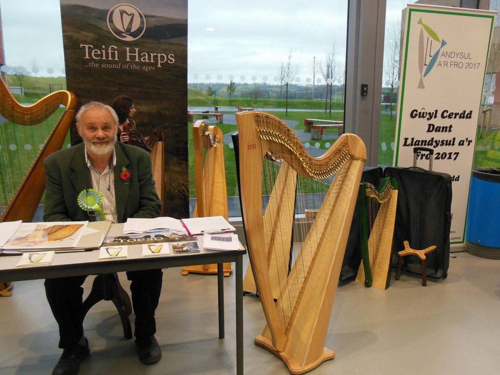 allan shiers harp display