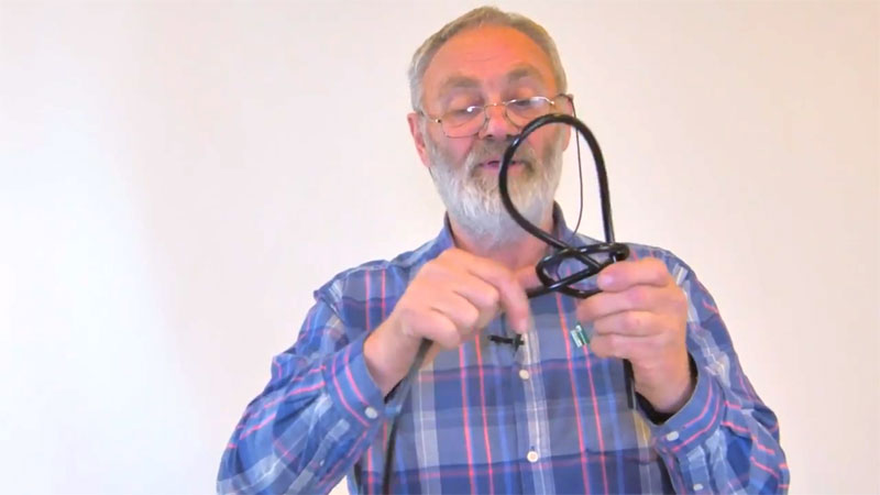 Allan Shiers demonstrating how to tie a bowline knot - step 4