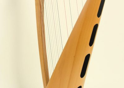 Back view of a Siff Saff lever harp in beech